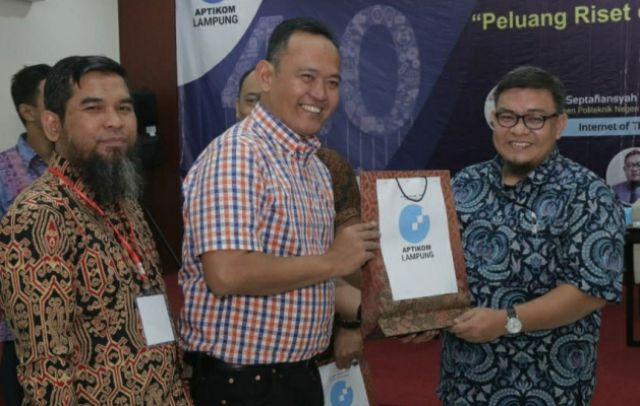 Dr.H.Fauzi Buka Musprov Aptikom Lampung & Seminar