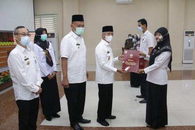 29 ASN Pemkab Pringsewu Peroleh Tanda Kehormatan Satyalancana Karya Satya