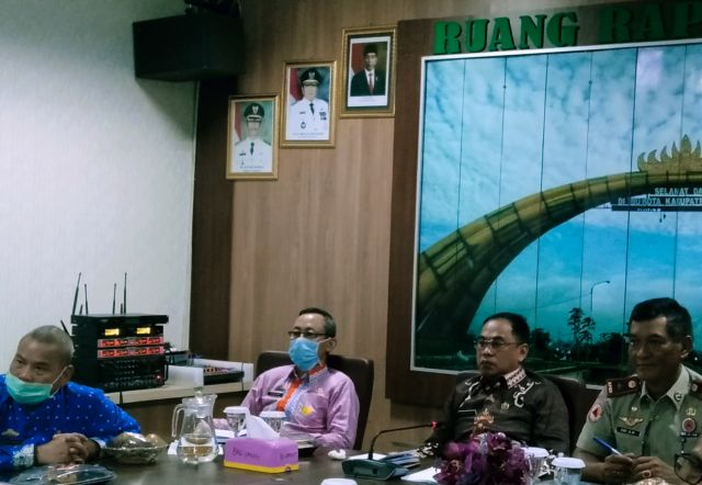 Sekdakab Pringsewu Rakor by Teleconference Dengan Sekdaprov Lampung